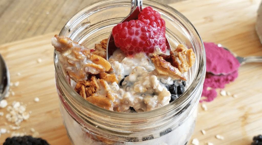 elderberry overnight oats